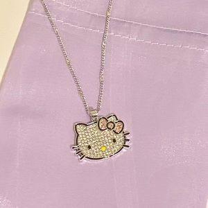 - Luxury Hello Kitty necklace